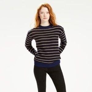 levi's boyfriend crewneck sweater